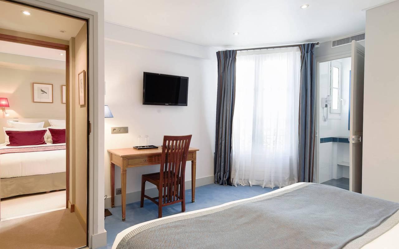 Family hotel room in Saint-Germain-des-Prés