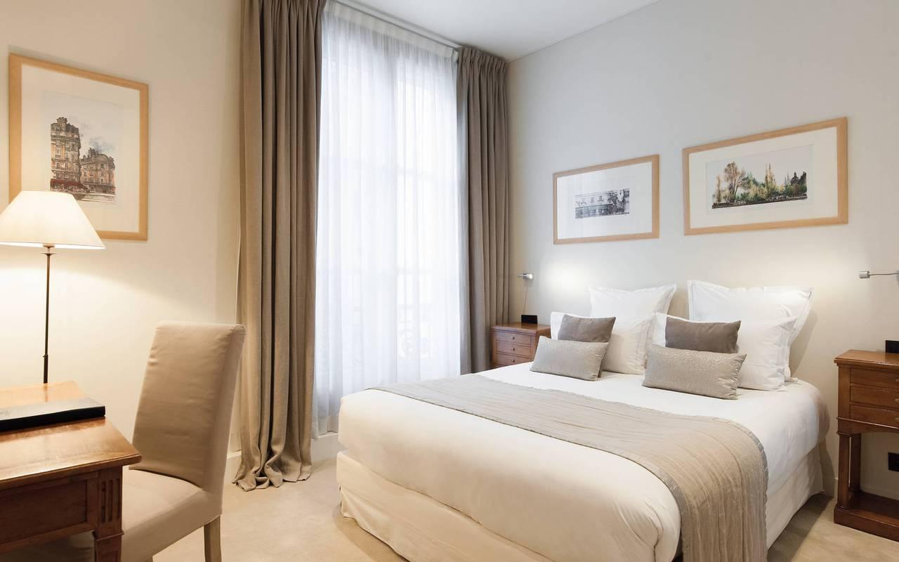 Chambre sophistiquée hôtel de charme Paris
