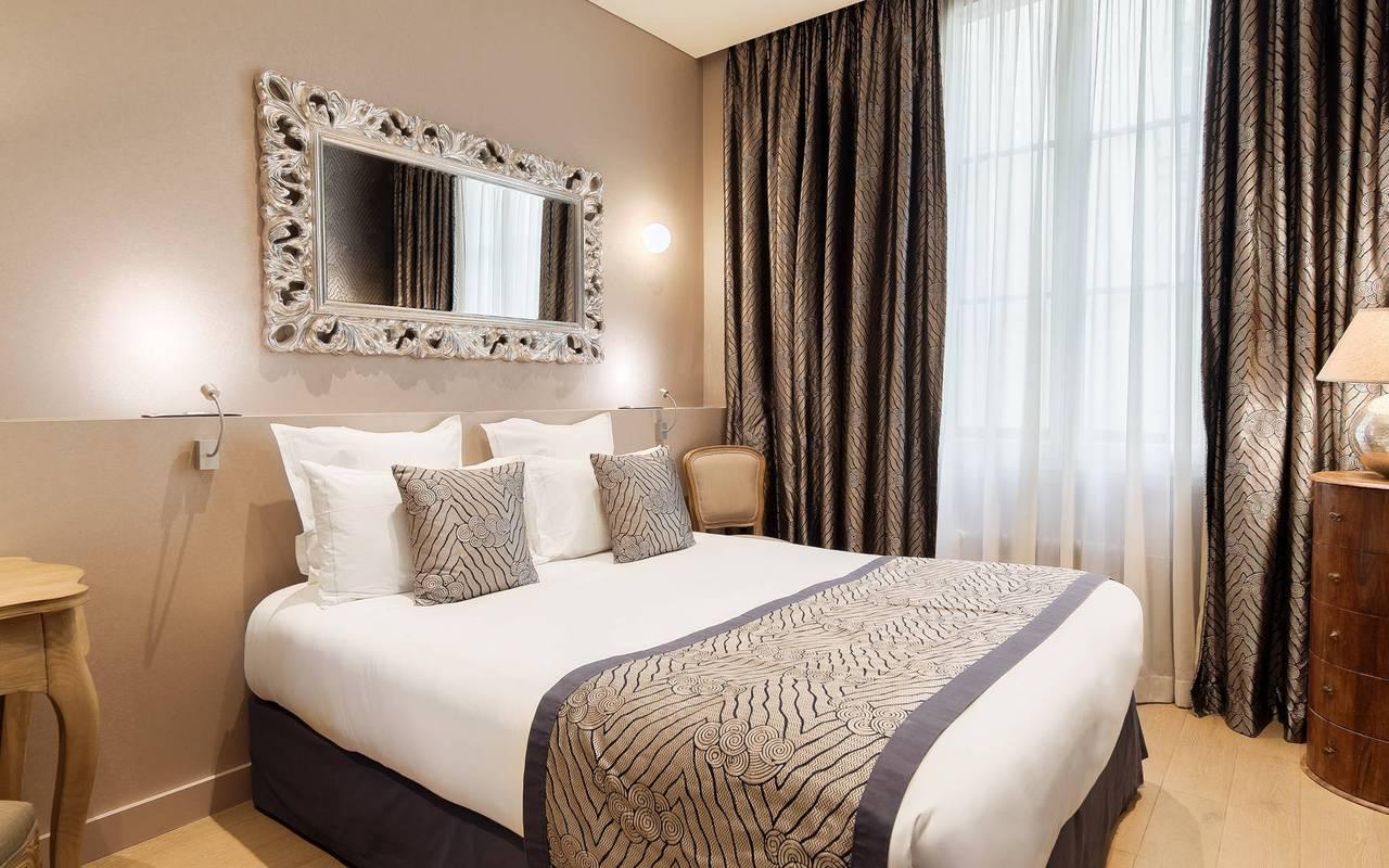 Chambre épurée hôtel Saint-Germain-des-Prés