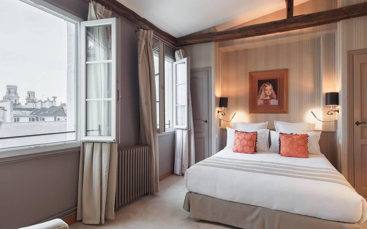 Chambre parisienne boutique hôtel Saint-Germain-des-Prés