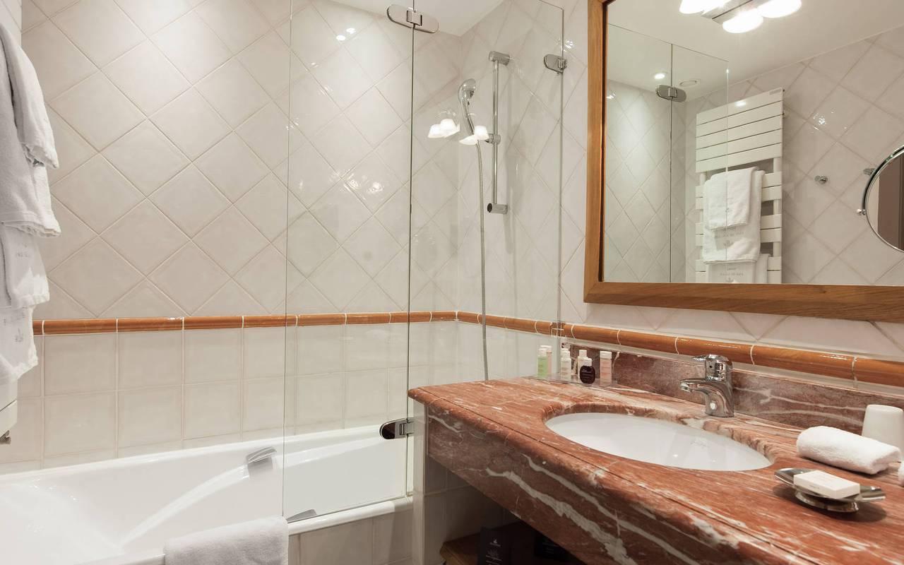 Charmante salle de bain parisienne