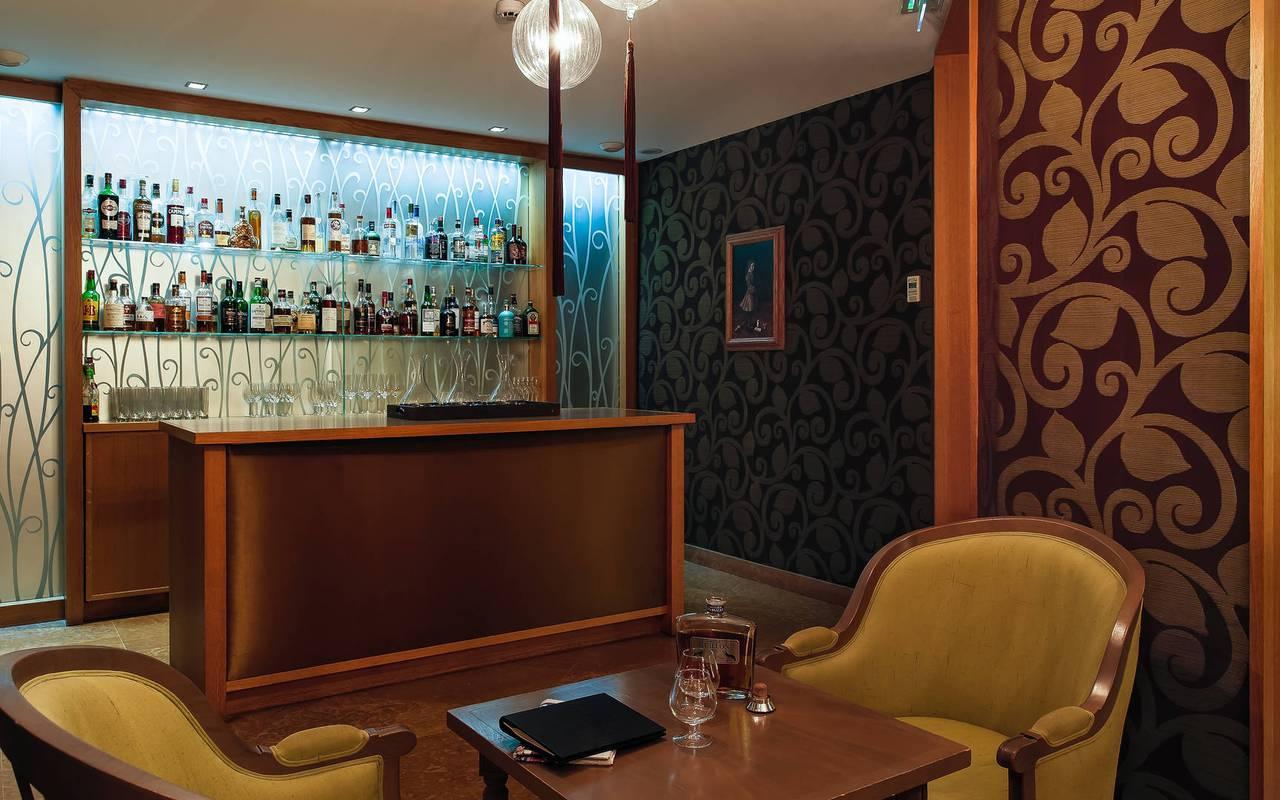 Bar chaleureux à l'hôtel Pas de Calais Saint-Germain-des-Prés
