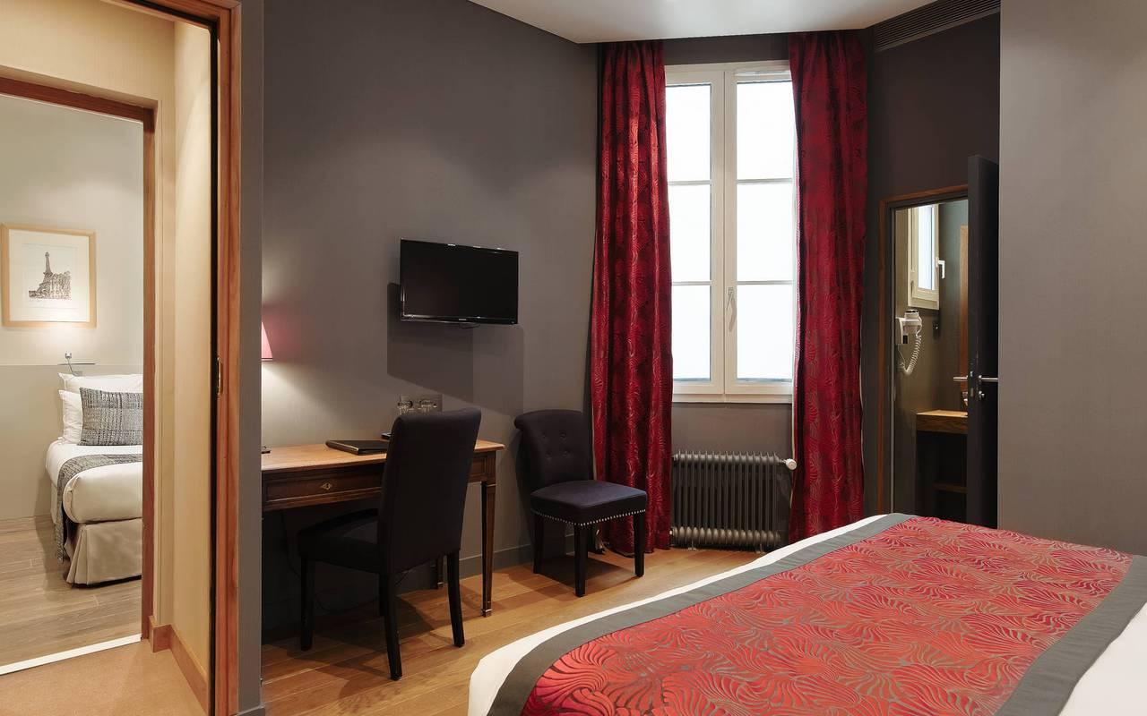 su te j nior hotel pas de calais paris nossos quartos fam lia duplo su te. Black Bedroom Furniture Sets. Home Design Ideas